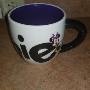 DISNEY MINNIE MOUSE BLACK WHITE CUP 4.5HX6X4.25